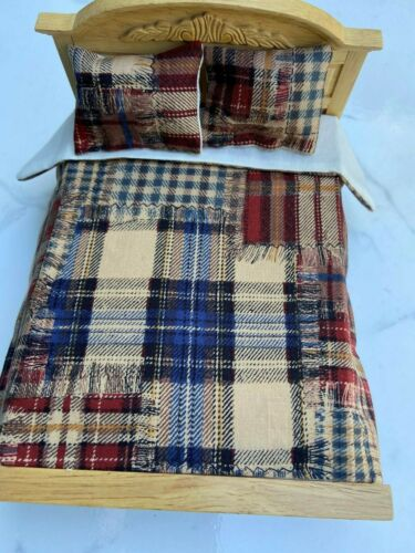 Miniature dollhouse Bedspread Comforter blanket with 2 Pillows 1:12 scale rags