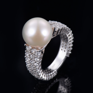 18ct-White-Gold-Stunning-Natural-Pearl-amp-VS-Diamonds-Cocktail-Ring