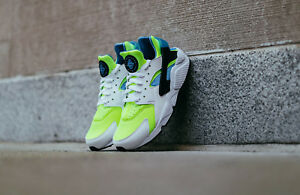 Nike-Air-Huarache-Run-SE-SZ-10-5-White-Volt-Black-Photo-Blue-AT4254-101