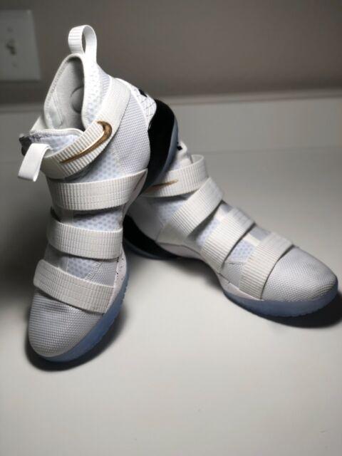 Size 10 Nike Lebron Soldier XI 11 Court