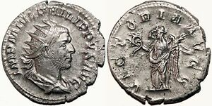 *AET* PHILIP I the Arab AR Antoninianus. EF-/EF. VICTORIA AVGG