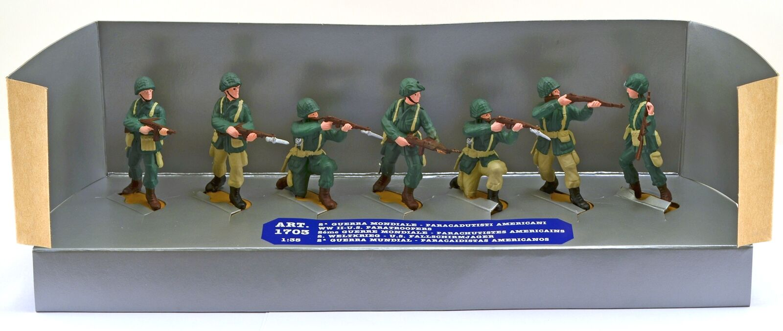 ESCI ATOYS  35  WWII U.S. Paratroopers - 7 painted figures mint in box