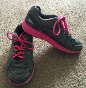 Womens Fila Sneakers Tennis Shoes