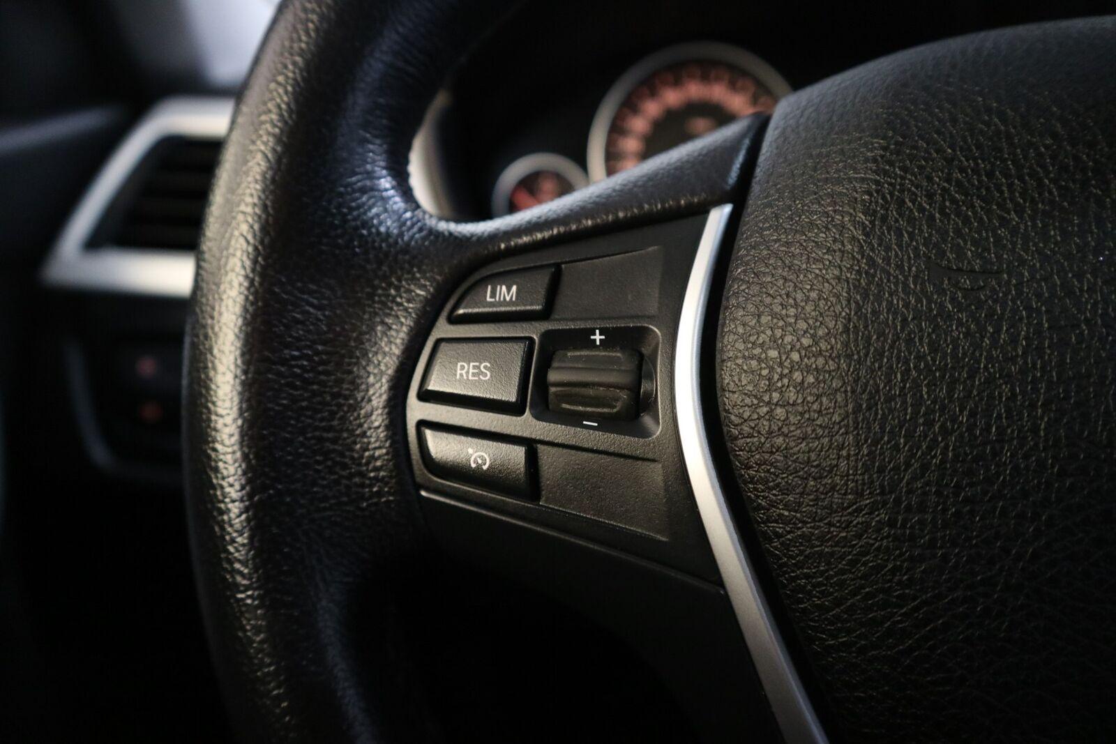 BMW 320d 2,0 Touring aut. - billede 4