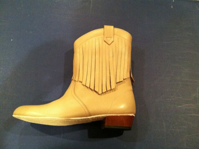 Ladies MITZI FASHION BOOT, all leather, NIB ladies 7 1/2 medium, taupe