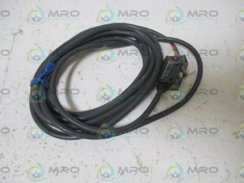 OMRON E3S-BT31-D PROXIMITY SWITCH  USED