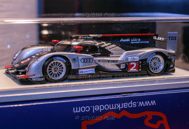 Audi r18 tdi no.  2 audi sport team joest 24h le hommes 2011 spark 1 43  avec 100% de qualité et 100% de service
