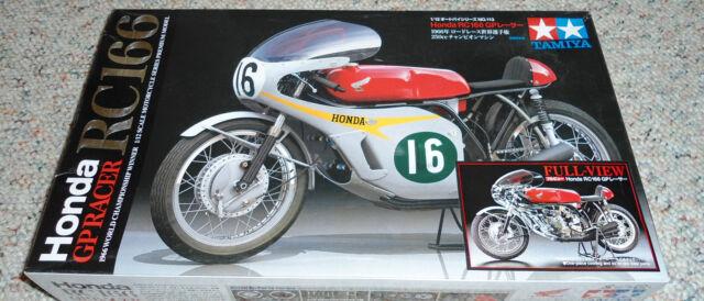 Tamiya 1/12 Honda RC166 Grand Prix Racer