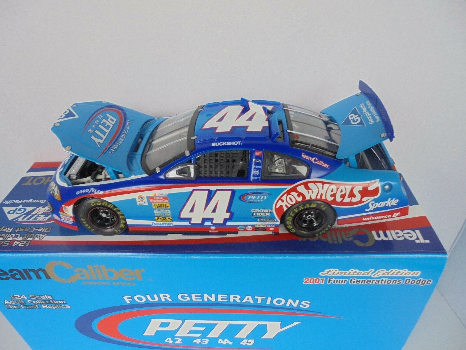 Buckshot Jones  44 Petty 2001 Four Generations Dodge TCOS 1 24th Nascar Diecast