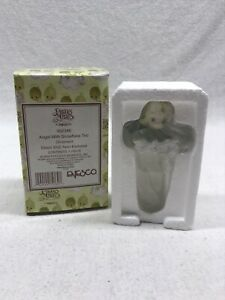 Precious-Moments-Angel-With-Snowflake-Trio-Ornament-Avon-New-In-Box