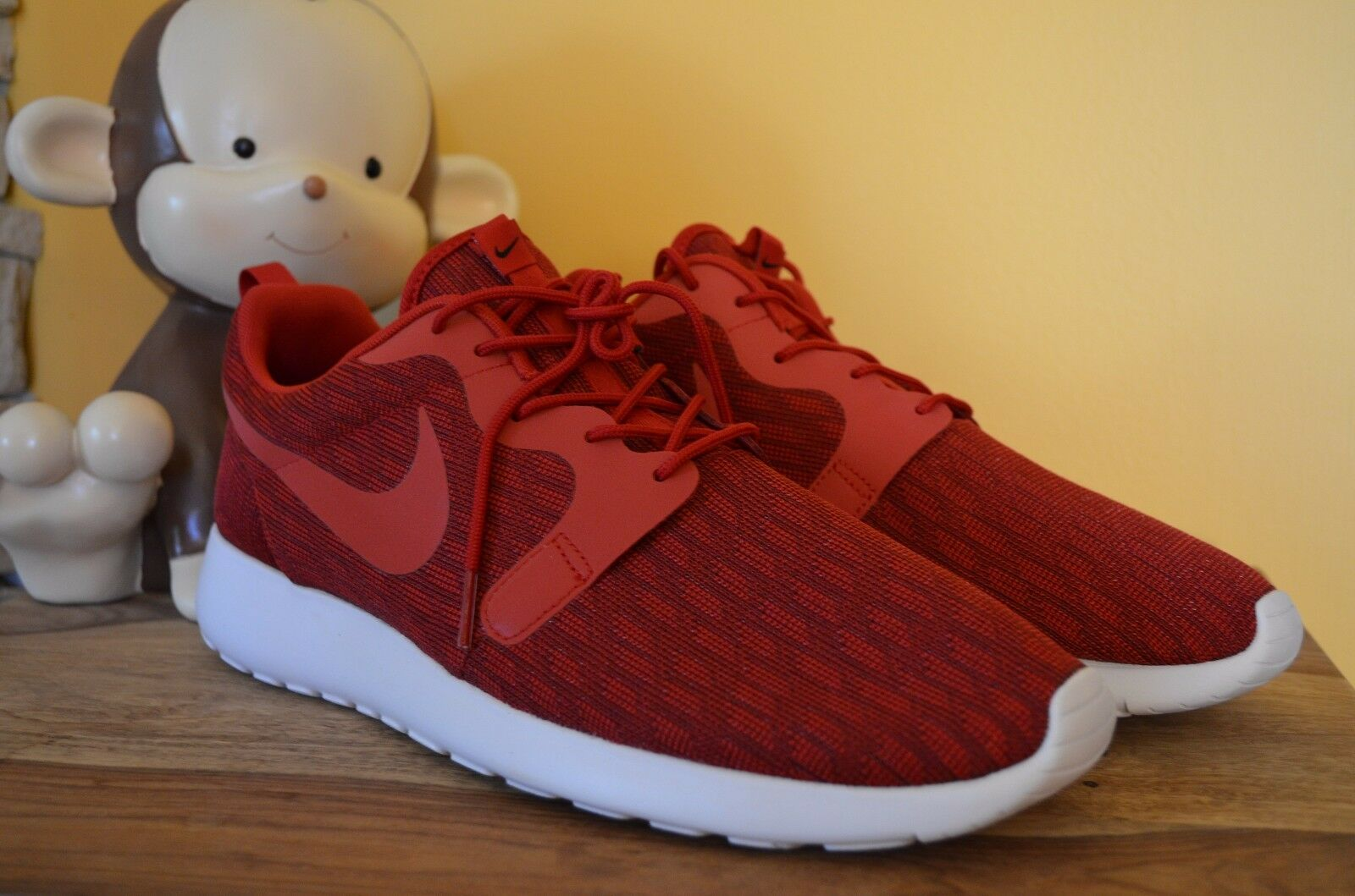 58ed5b55ae274 NEW NIKE ROSHE ONE KJCRD Running shoes MENS SZ 13 Gym Red Black 777429-