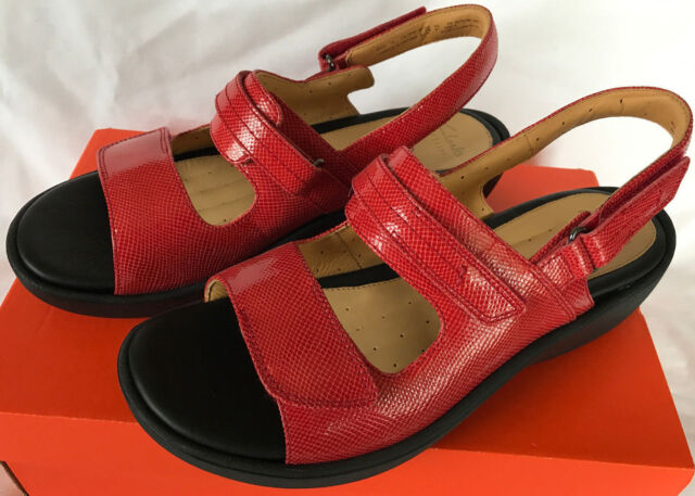 4d10042a7e3 Clarks UnHarvest 26105798 Red Leather Comfort Walking Sandals Women s 9.5  new