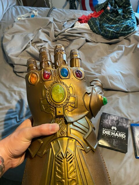 Marvel Legends Series Articulated Electronic Infinity Gauntlet