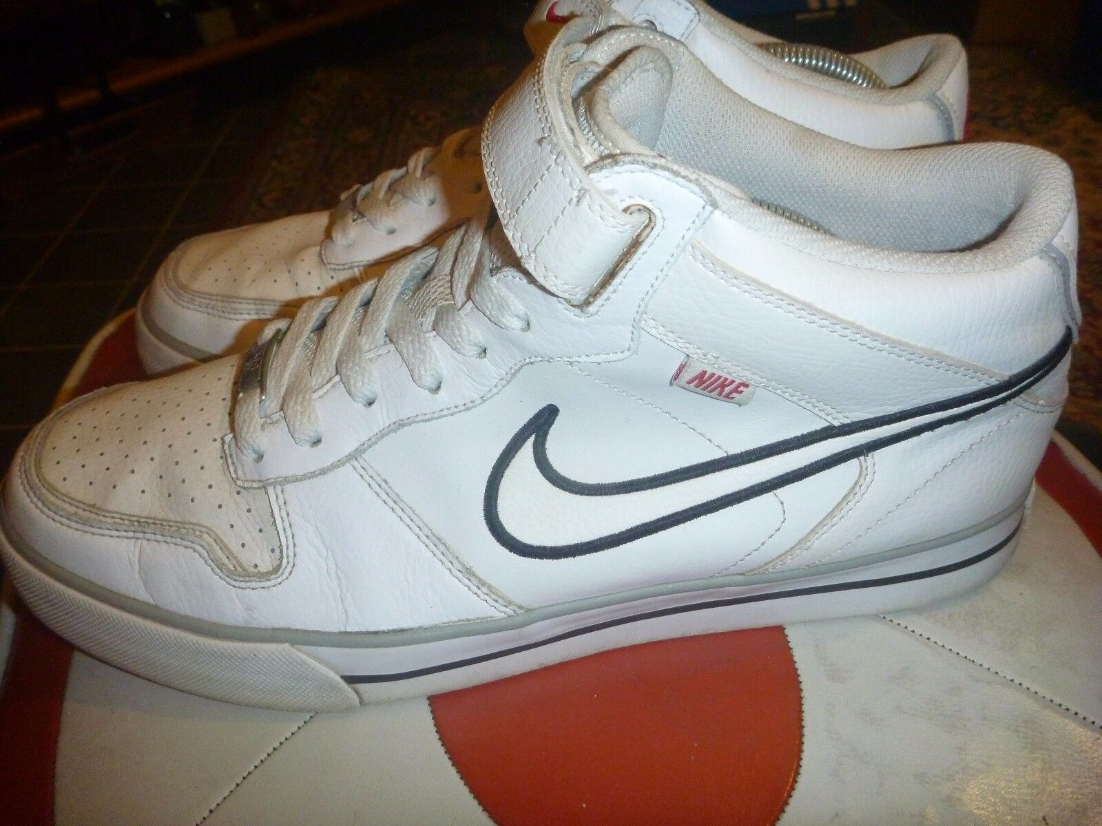 NIKE SELLWOOD MID SIZE WHITE LEATHER TRAINERS The most popular shoes for men and women