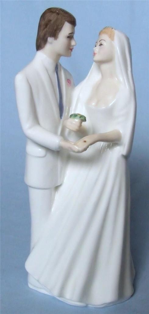 ROYAL DOULTON  FIGURINE  WEDDING VOWS  HN2750 1988-1992