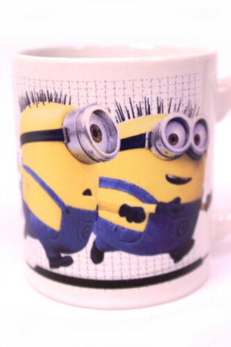 DESPICABLE ME Set Porzellan Kaffee Tassen Becher 3-tlg Wanduhr MINIONS Uhr