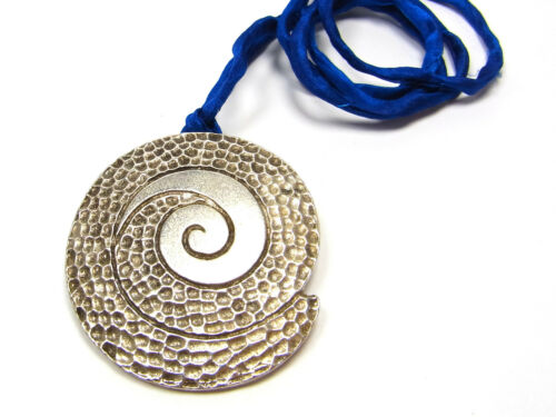 42 x 38 mm argenté Joli Pendentif métal 1 Unités; n57 escargot spirale