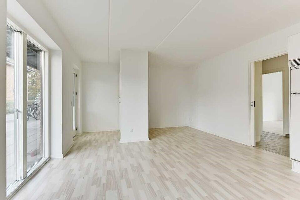 8260 vær. 3 lejlighed, m2 76, Onsholtvej