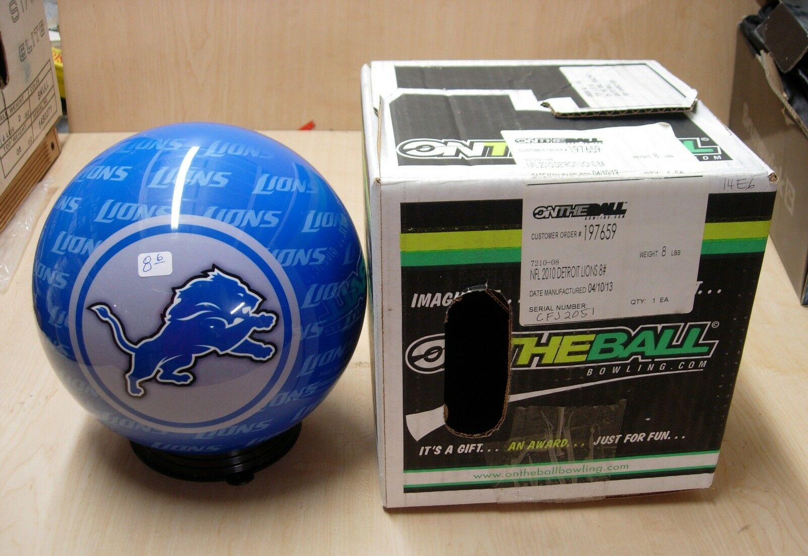 8oz NOS NIB Bowling Ball OTB Viz-A-Ball Retired 2010 NFL Detroit LIONS