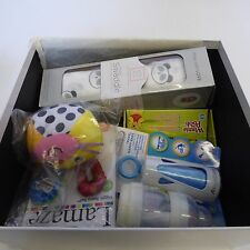 NUOVO AMAZON BABY Scatola Unisex Dono. / STARTER KIT NEONATO OTTIMO PER BABY SHOWER REGALO