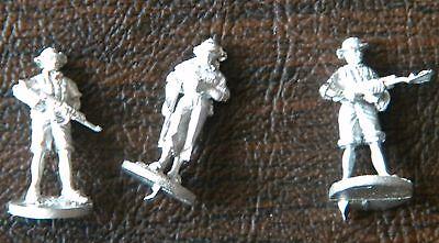SHQ VV4 1//76 Diecast VIETNAM WAR ACAV Crew Commander /& M60 Gunners-Two