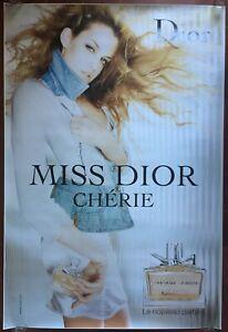 Affiche-MISS-DIOR-CHERIE-Riley-Keough-120x175cm