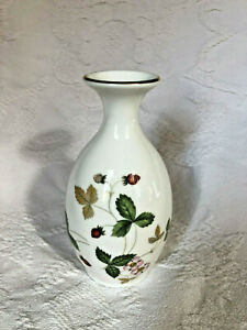 Sweet Little Spring Time Strawberry Pattern Ginger Jar Would Be Lovely On A Bookshelf Or In S Room Nursery