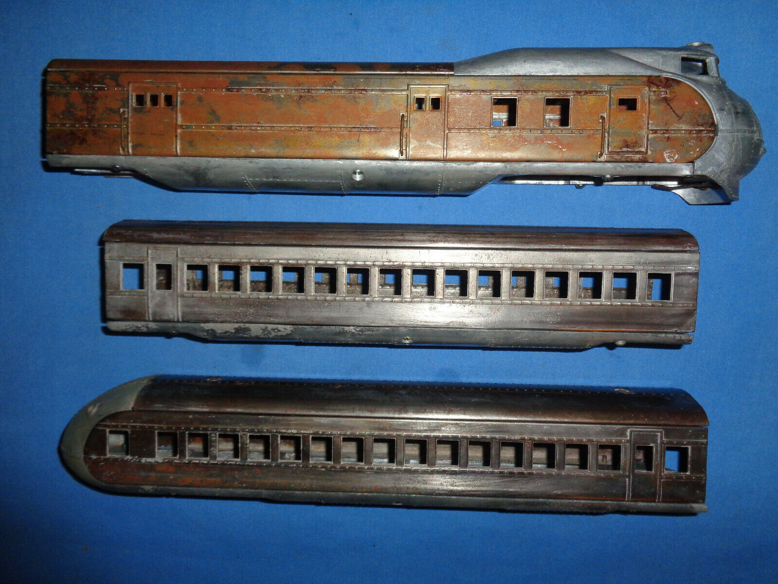 Lionel Union Pacific  752,  753 and  754 Shells w Frames