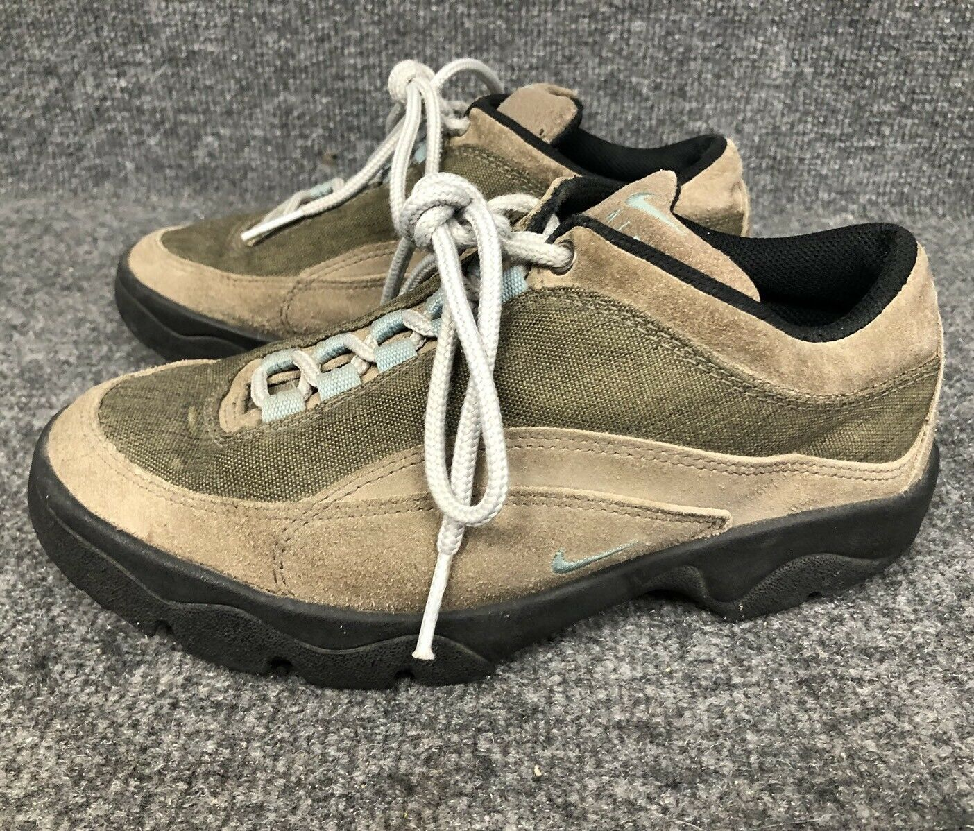NIKE Womens Sz 6 AIR ACG REGRIND 971101 Leather Suede Hiking/Trail/Walking Shoes Wild casual shoes
