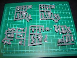 5-Space-Marine-Primaris-Intercessors-Legs-and-Torsos-bits