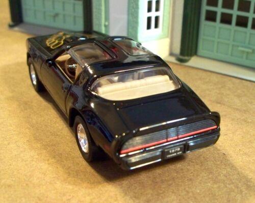 New In Box  Road Signature 1//43 Scale 1979 Pontiac  Firebird Trans Am