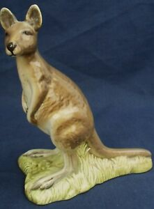 Beswick-KANGAROO-Model-2312-1970-1973
