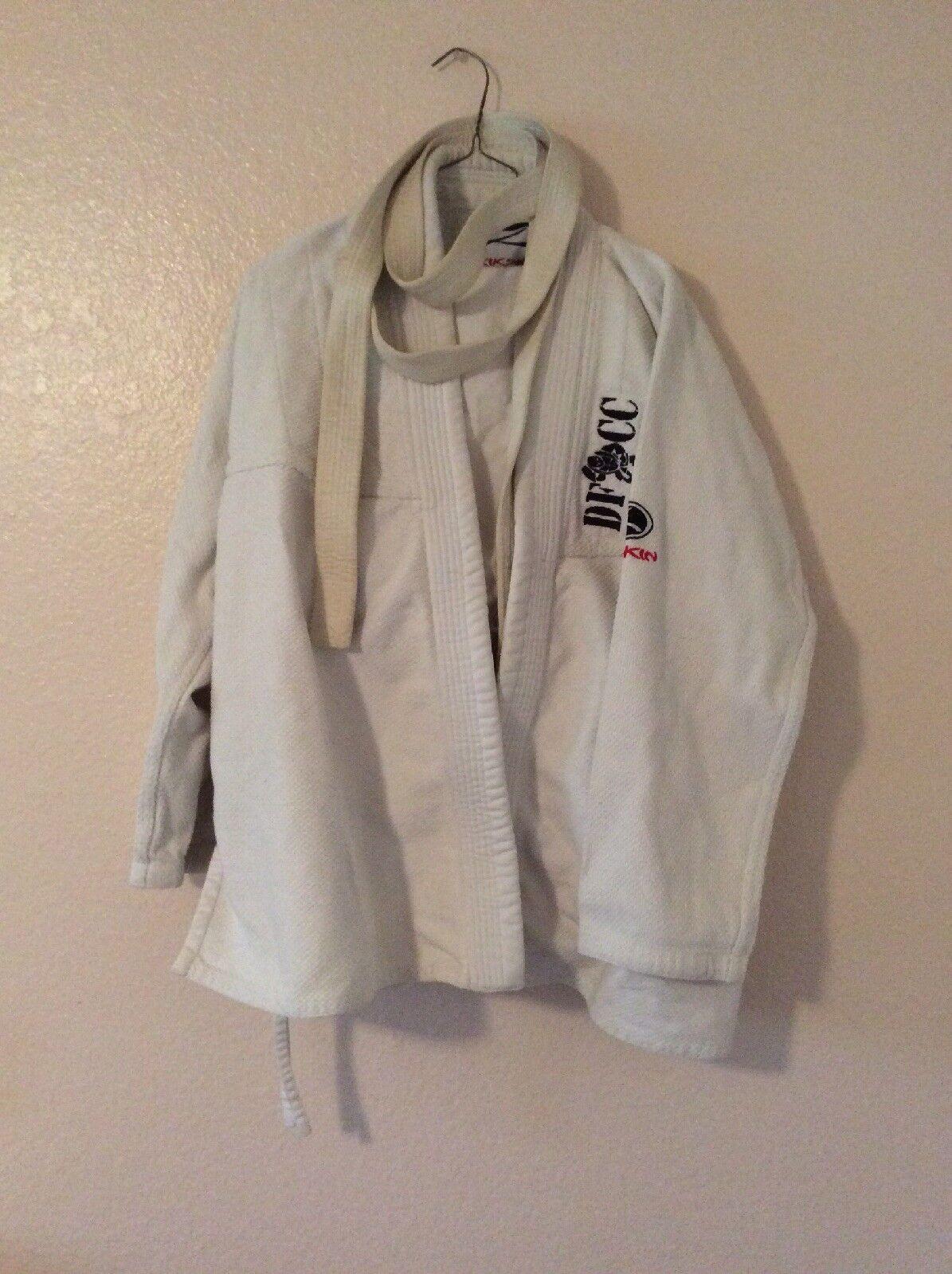 Jim Jitsu Kikskin Karate Uniform (Gi) size 5-3A Used