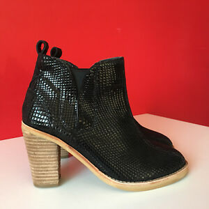 1741a3f2010 NEXT Black Block Heel Chelsea Ankle Boots Snakeskin Look Size UK 6 ...