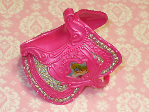 Disney-PRINCESS-Barbie-Doll-AURORA-REPLACEMENT-SADDLE-for-HORSE-2007-Mattel