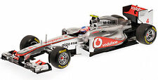 MINICHAMPS 1/18 2011 VODAFONE MCLAREN MERCEDES MP4-26 JENSON BUTTON 530111804