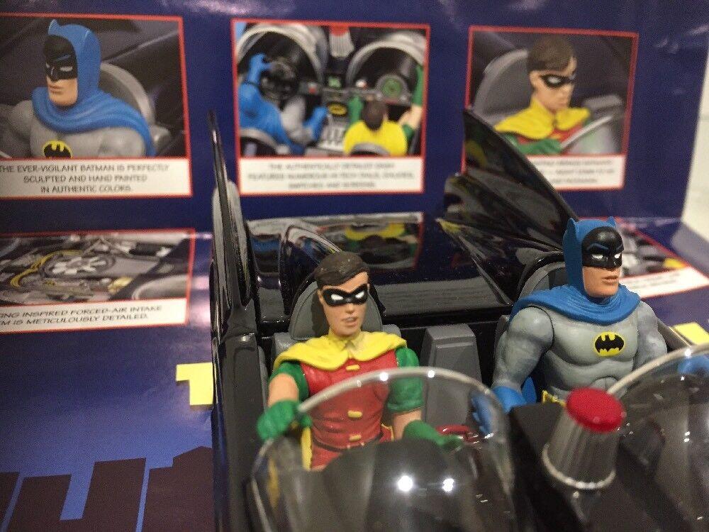Danbury Nuovo di zecca 1 24 la Batmobile