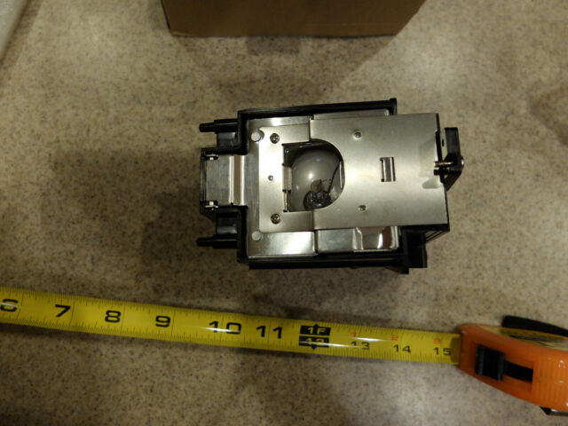 Replacement Lamp Assembly with Genuine Original OEM Bulb Inside for Sharp DT-400 Projector Power by Phoenix