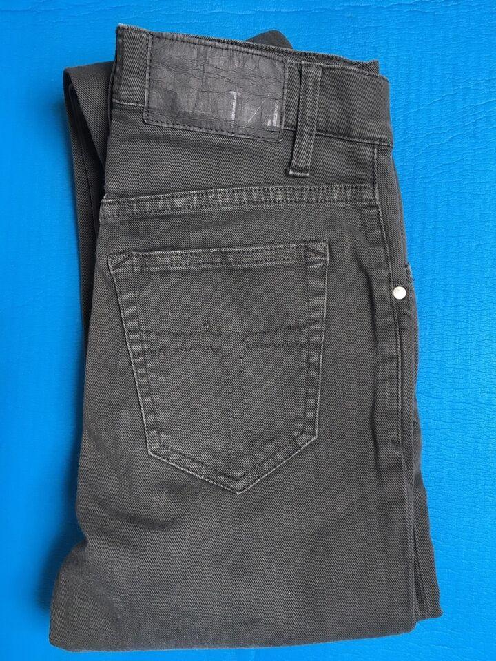 Jeans, Tiger og sweden , str. findes i flere str.