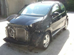 2009 toyota aygo 1 0 black 32k miles cat d salvage damaged. Black Bedroom Furniture Sets. Home Design Ideas