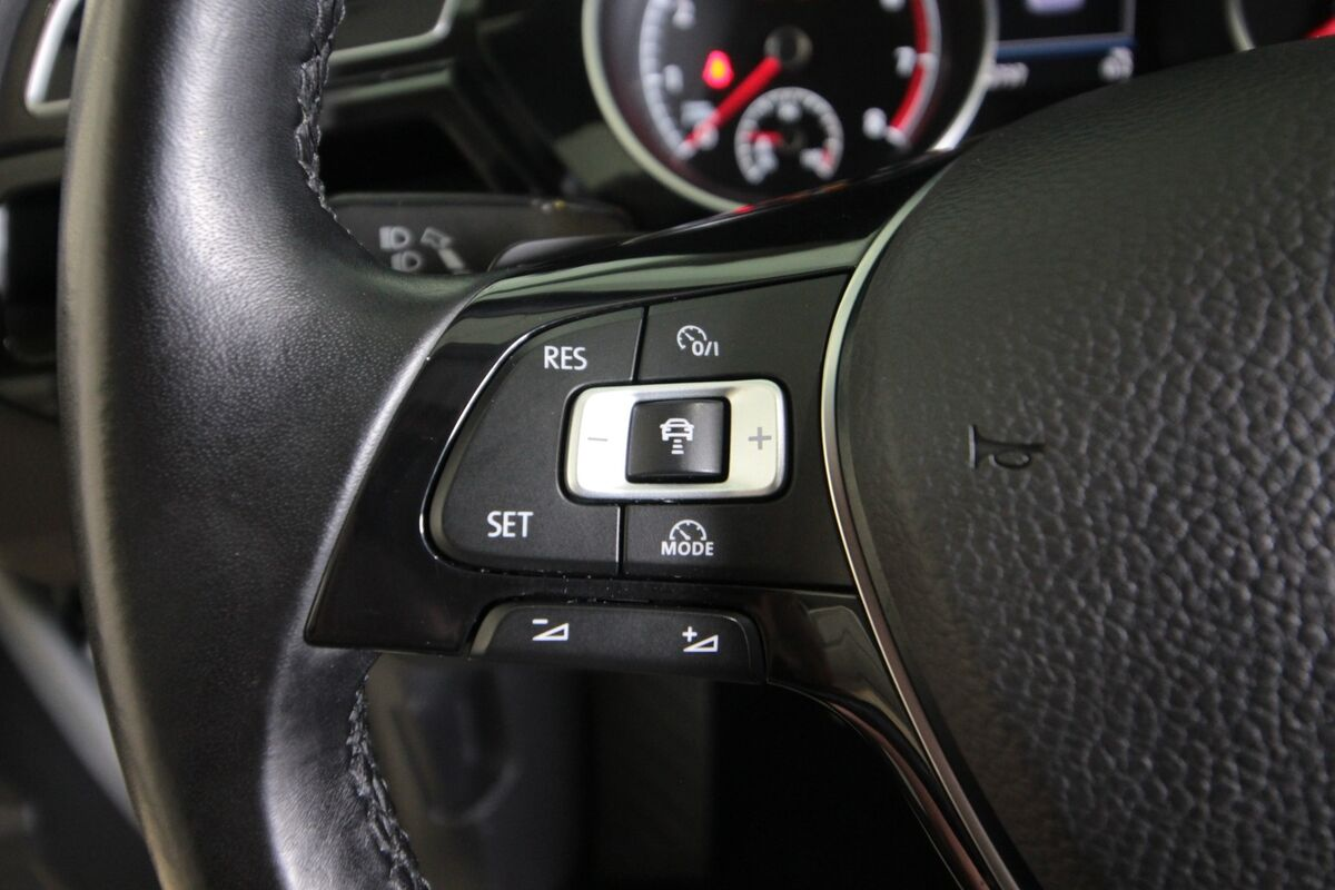 VW Touran 1,4 TSi 150 Highline DSG 7prs