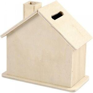 Spardose-Sparbuechse-in-Hausform-aus-Holz-unbehandelt