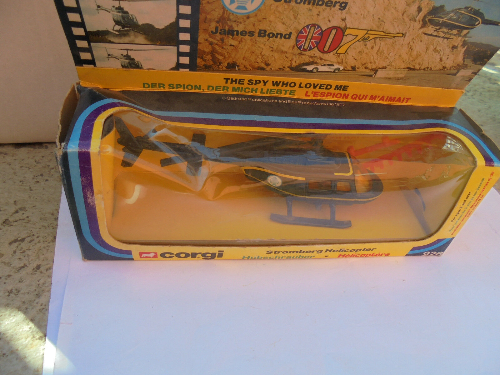29908 CORGI TOYS 926 James Bond 007 Stromberg's Helicopter Hélicoptère Box