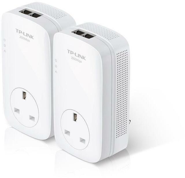 TP-Link AV2000 2-Port Gigabit Passthrough Powerline Starter Kit Plug and play