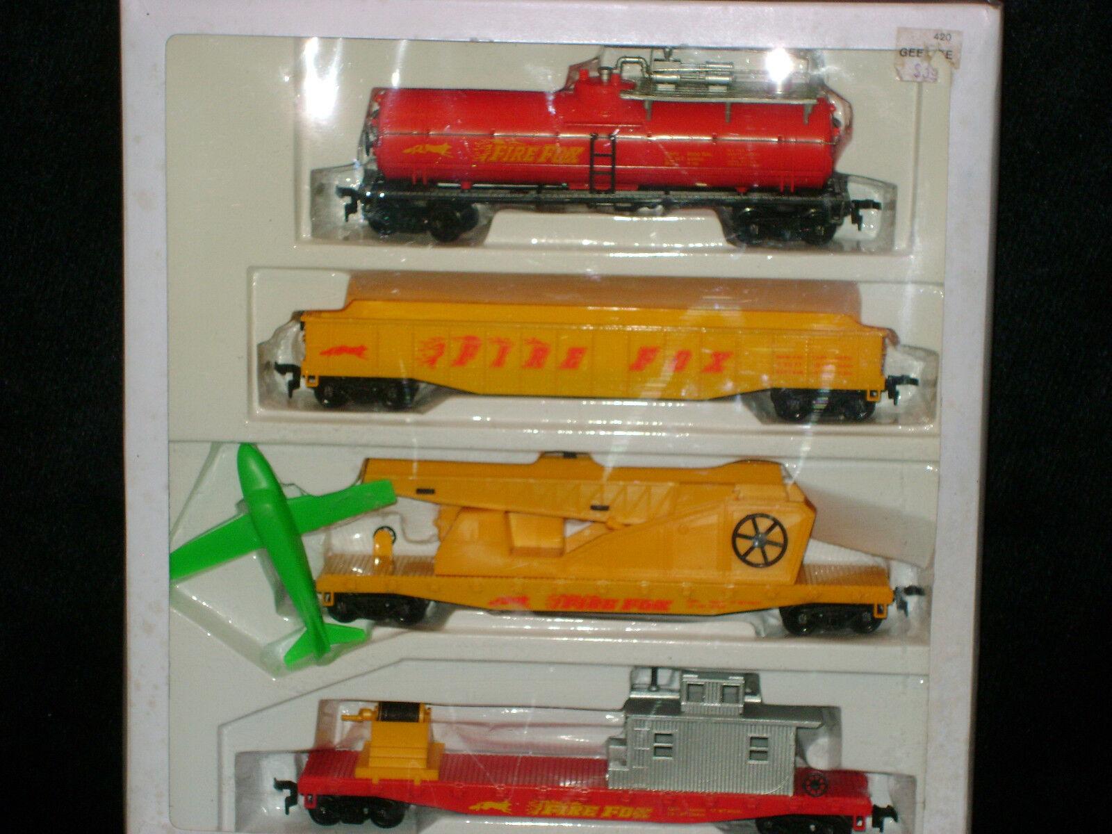 AHM FIREFOX FIRE FIGHTING SET RARE  TANKER  HOSE CAR  HO Scale TrainsMINT