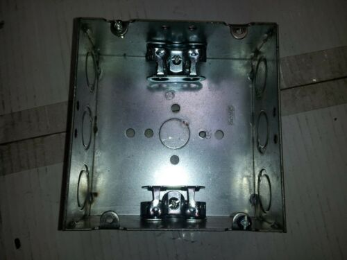 "4-11//16/"" Square Welded Electrical Box 2-1//8 Deep w// MC//BX Cable Clamps ~Raco 252"