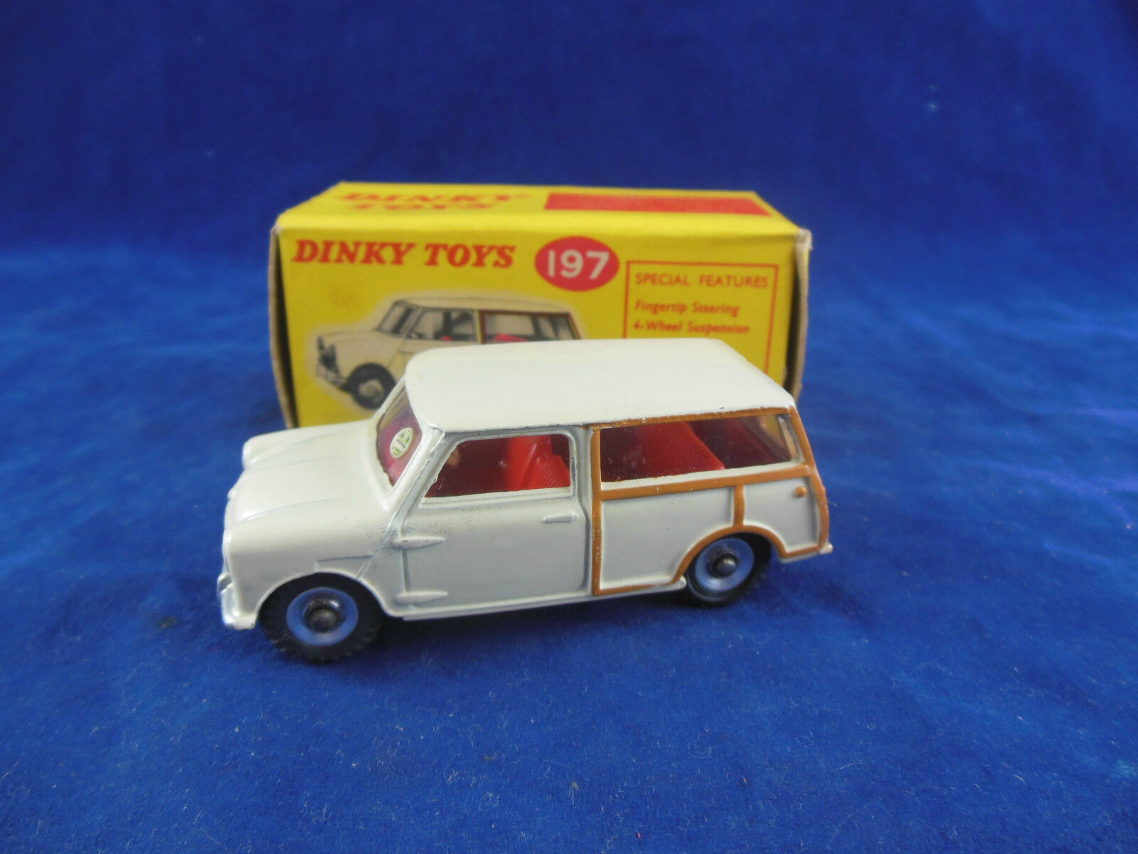 Dinky toys 197 Morris Mini Traveller in Cream Superb Original & Boxed