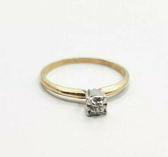 Beautiful Vintage 10k Yellow gold Diamond Ladies Engagement Ring Size 6