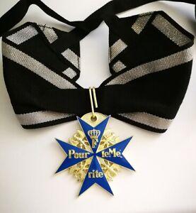 Preussen-Orden-Pour-le-Merite-034-Blauer-Max-034-am-Band-Top-Repro