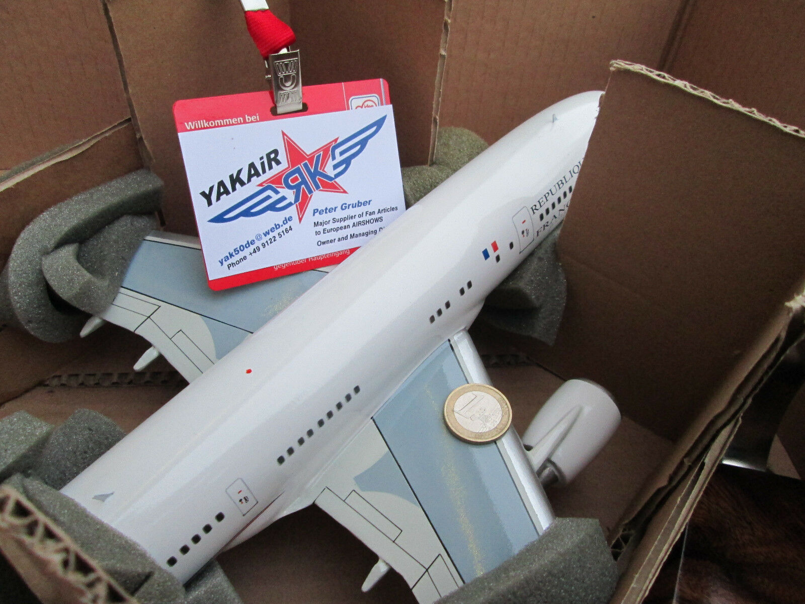Airbus a330 223 F-RARF armée del Air ronds AIRCRAFT yakair wood model